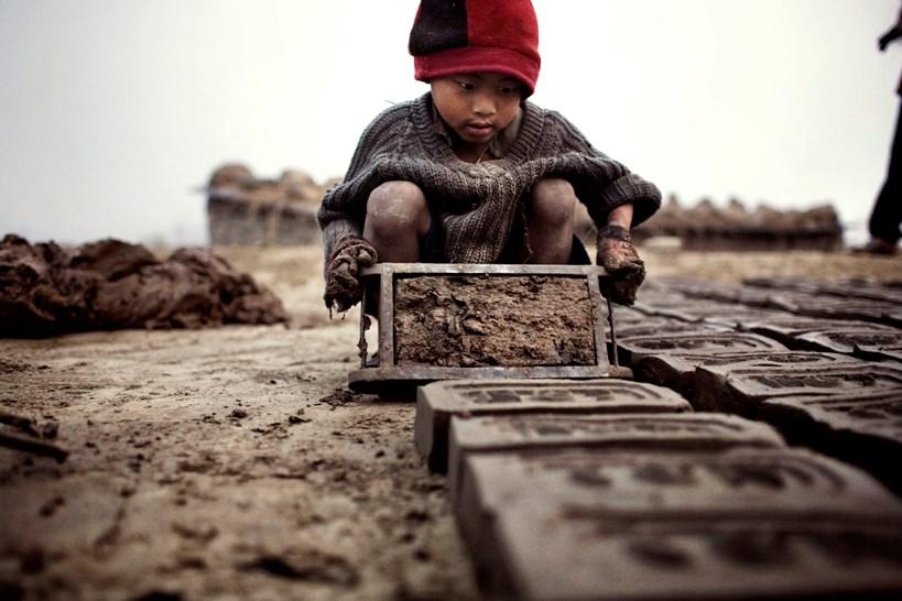Afghanistan : le fléau du travail des enfants - Social Mag