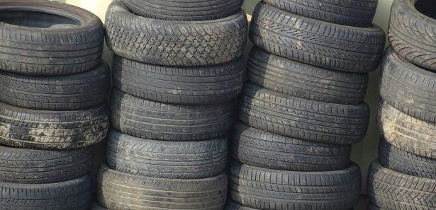 innovation ghana entrepreneur recycle pneus uses pour faire carburant - SocialMag