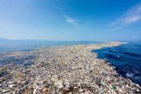 catamaran nettoyer plastique oceans 2024 - Social Mag